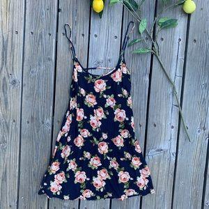 🍋 Forever 21 Spaghetti Strap Mini Dress
